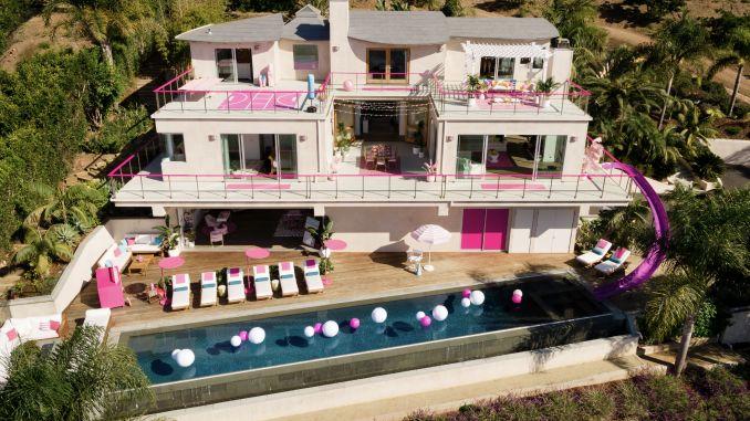 Ya puedes rentar en Airbnb la mansión de Barbie Malibú